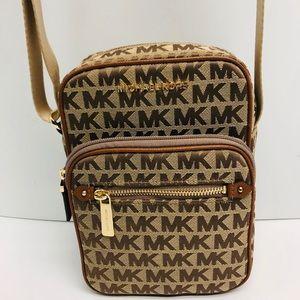 Michael Kors Bedford Zip Flight Bag Crossbody!!